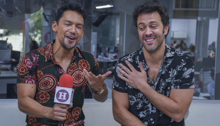 Karoll Márquez y Juan Manuel Mendoza, del elenco de 'Hombres a la plancha, en EL HERALDO.