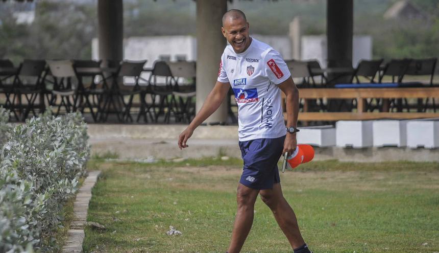Roberto Peñaloza, nuevo asistente del Junior.
