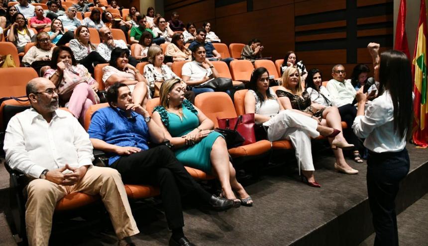 Los funcionarios judiciales durante la presentación del programa institucional.