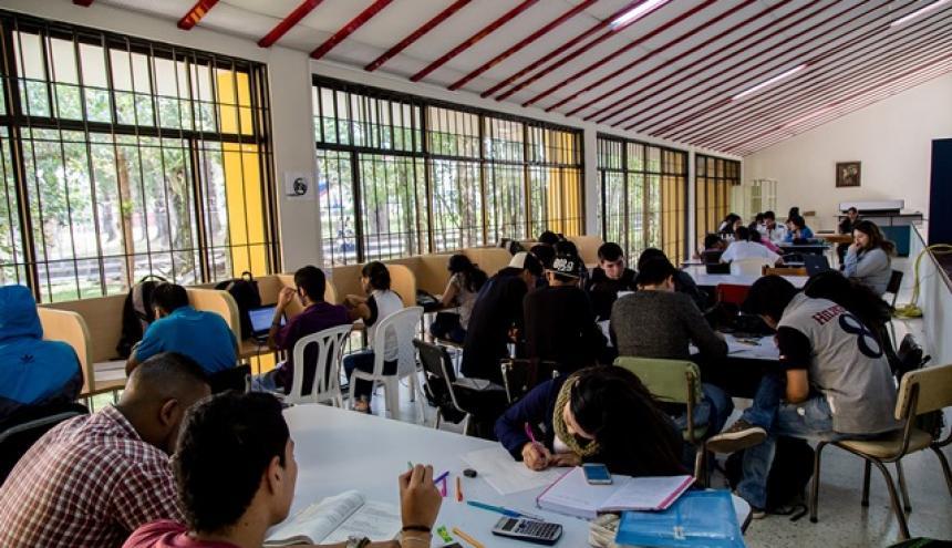 Algunos estudiantes del cuerpo educativo de la Universidad del Cauca.