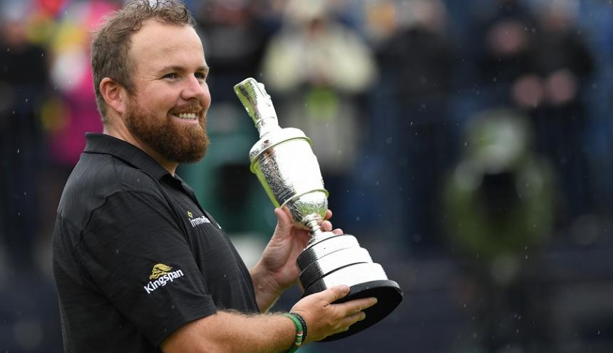 El golfista irlandés Shane Lowry resistió ante la lluvia y el viento para ganar el primer gran título de su carrera, el British Open.