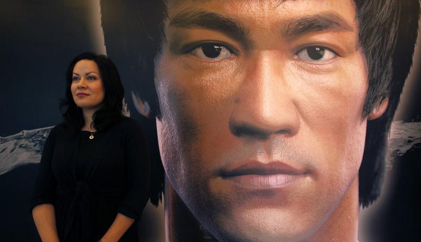 Shannon Lee es la única hija del artista marcial y actor estadounidense Bruce Lee.