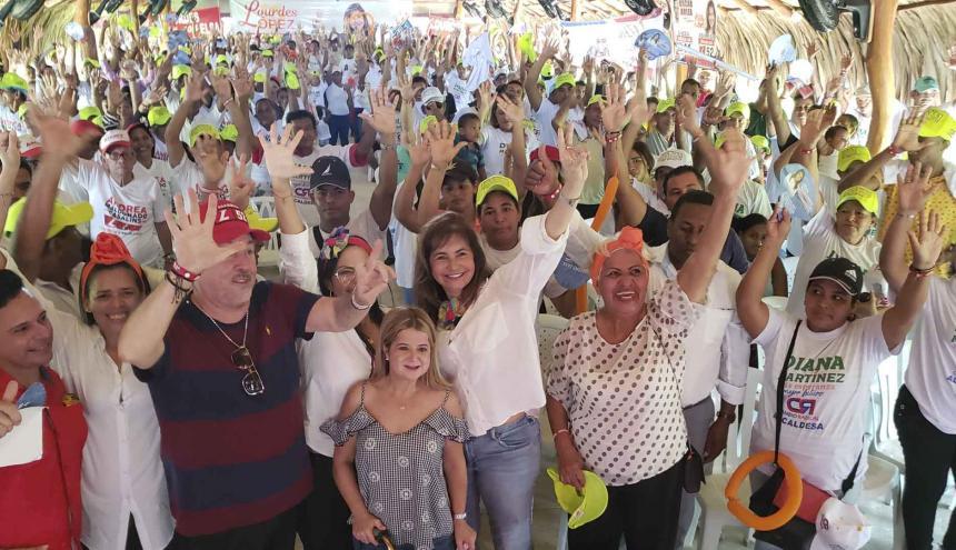 La campaña de la diputada liberal Lourdes López en Ponedera.