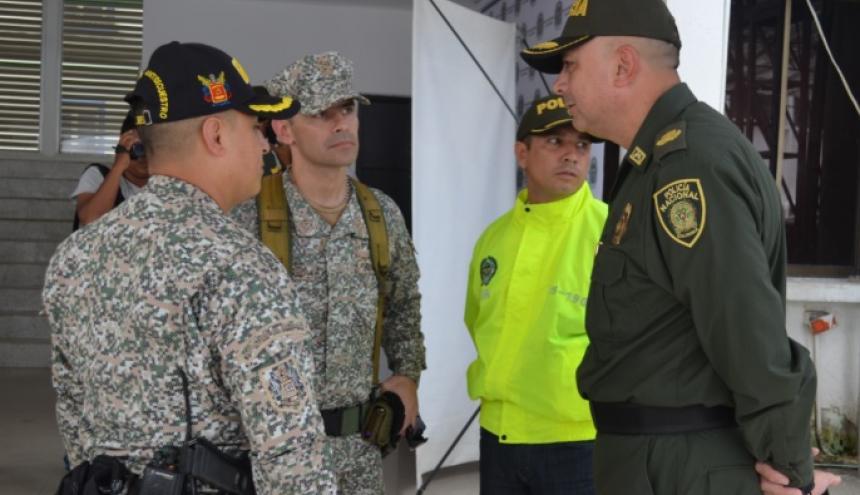 Autoridades antes del consejo de seguridad.