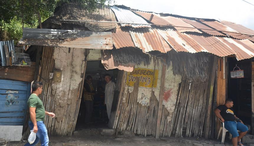 La barbería Veralviz, de Rafael Vergara Galviz, en pleno centro de Sincelejo.