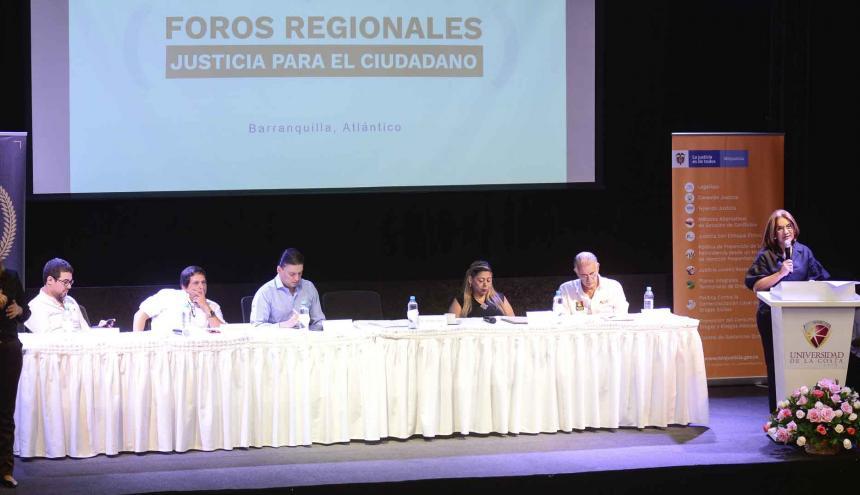 Aspecto del primer foro regional 'Justicia para el Ciudadano' que se realizó en  la Universidad de la Costa.