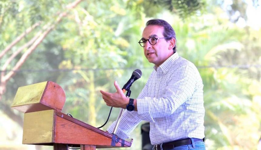 Ministro de Agricultura, Andrés Valencia Pinzón.