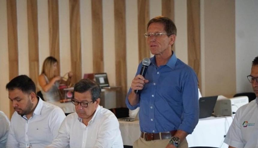 Consejero de presidencia durante su visita a Córdoba.