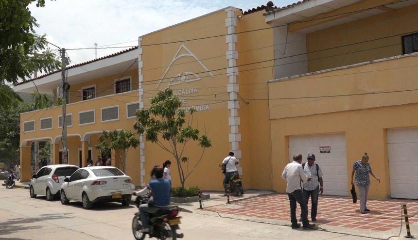 Imagen de la  fachada de la Alcaldía de Puerto Colombia, en donde funciona la Inspección de Policía.