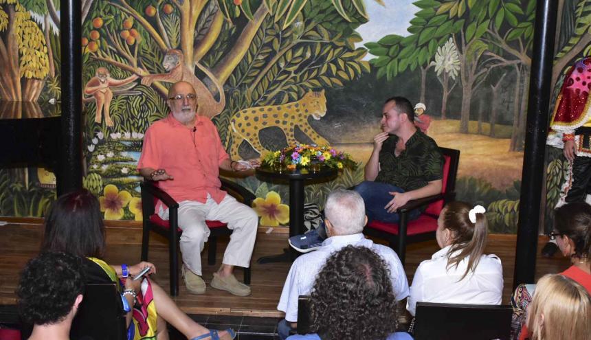 Juan Gossaín conversa con Farrouk Caballero en La Cueva.