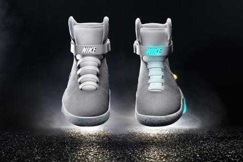 Lanzan al mercado las zapatillas inteligentes de  Volver al Futuro ... 31fa02eac19