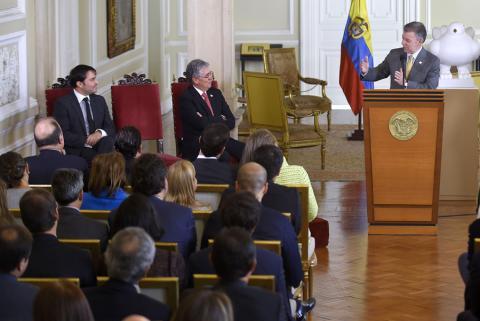 Vivienda jalará economía y empleo  Santos en la posesión de Pumarejo ... 301fdebefb4