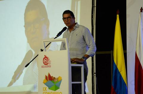 Luis Felipe De la Hoz.