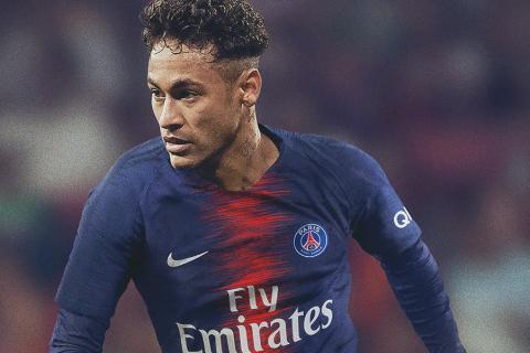 780801329ab14 Neymar ya luce la nueva camiseta del PSG