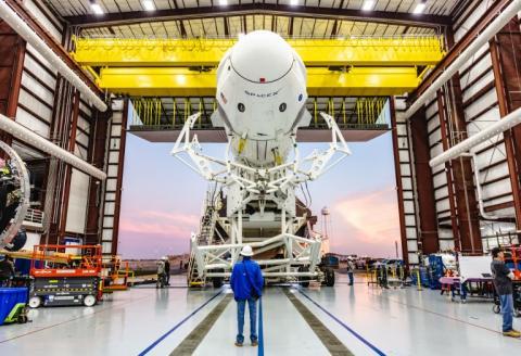 SpaceX lanzará la primera cápsula privada para enviar astronautas al espacio