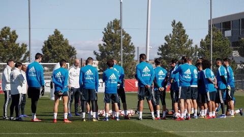 Zidane dirige su primer entrenamiento con el Real Madrid  647c3d6b0e7d9