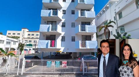 Un apartamento en la 821 Collins Avenue en Miami, comprado por la esposa de Vargas Lamadrid en USD330.0000 fue vendido 6 meses después en USD100.