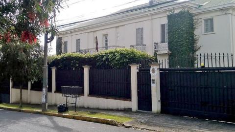 Diplomáticos de Venezuela abandonan embajada en Costa Rica