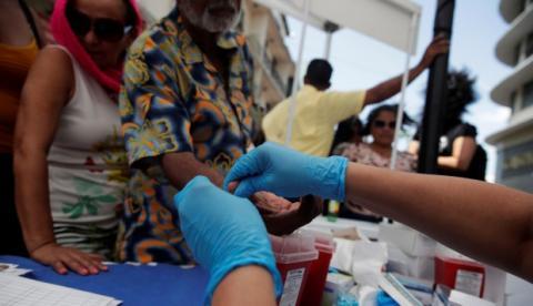 Médico negligente contagió a 65 niños de VIH