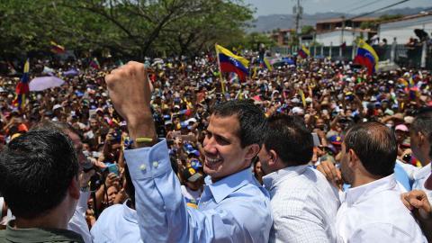 Maduro anuncia que pretende adelantar elecciones de la opositora Asamblea Nacional