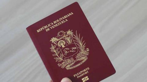 Reconoce la extensión de la validez de pasaportes venezolanos