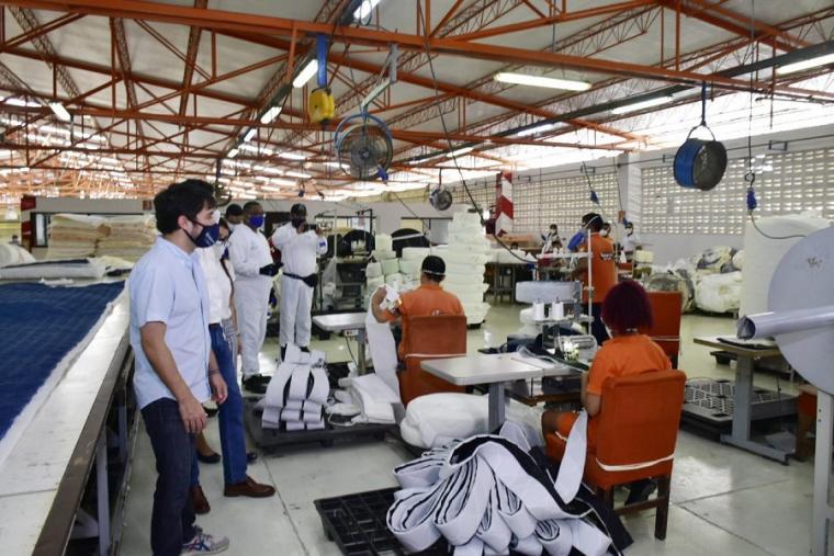 Así fue el comportamiento de la industria y el comercio en Colombia