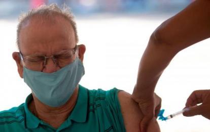 La cepa sudafricana reduce la protección de la vacuna de Pfizer