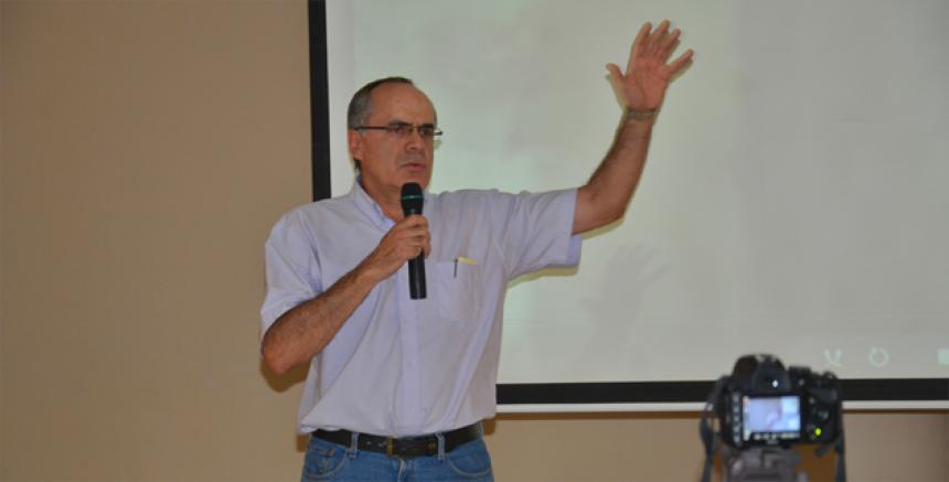 Luis F. De La Hoz