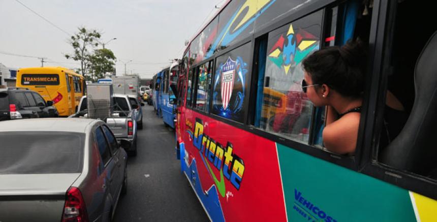 Resultado de imagen para MOVILIDAD EN LA CALLE 30 AEROPUERTO DE BARRANQUILLA