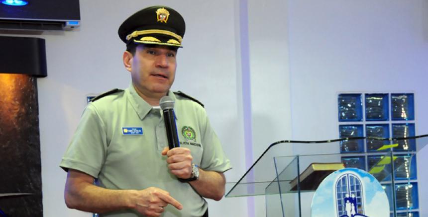 Ministerio de defensa anuncia cambios en la c pula de la for Ministerio policia nacional