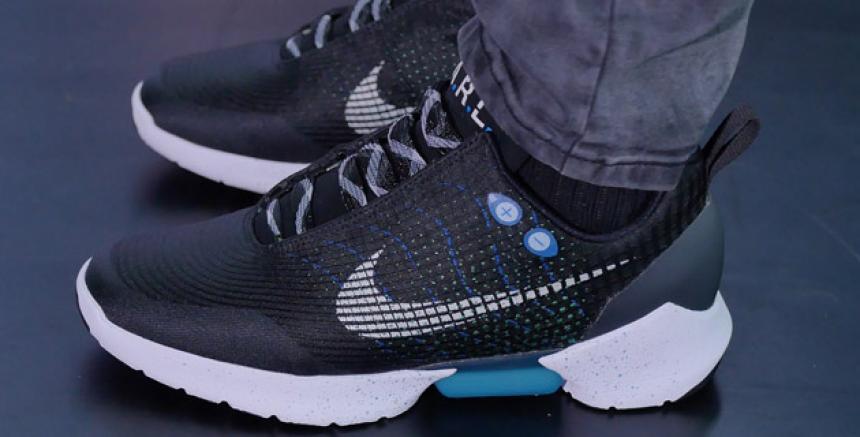 Innovación Al Lanza Tenis La Se Que Amarran Mercado Nike Solos qqpx1Xw8