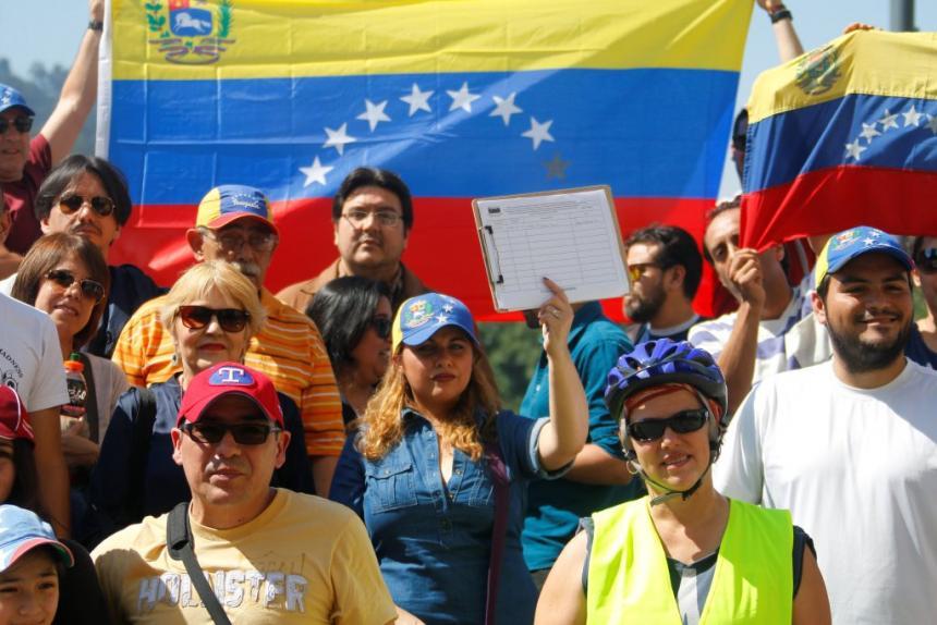 Oposición venezolana se sienta a negociar con el Gobierno | Internacional