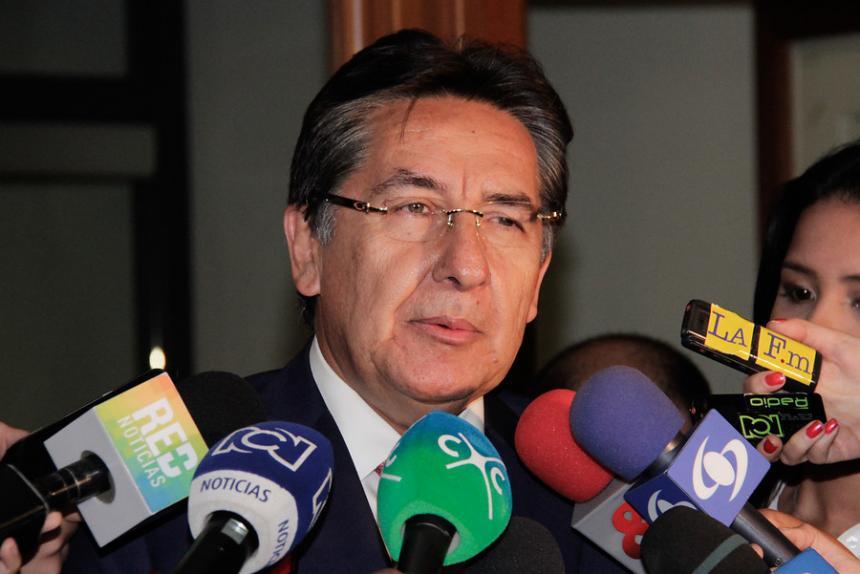 El fiscal le responde a Robledo: No asesoré a Navelena
