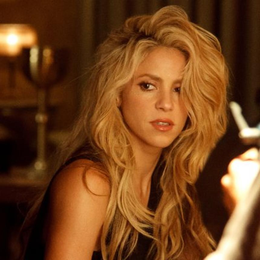 Shakira sorprende con movimientos sensuales de bachata