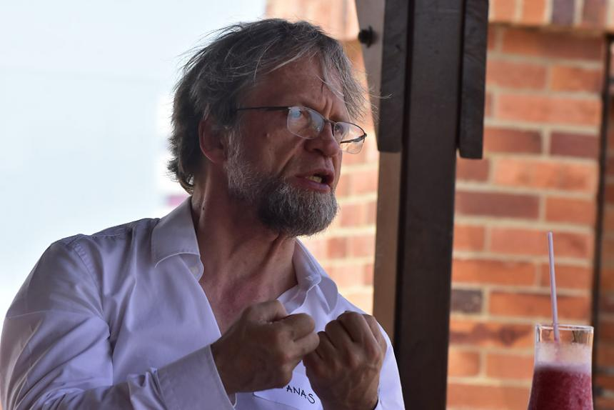 CNE elige a magistrado que analizará campaña Santos 2010