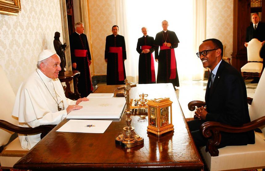 Papa ruega perdón por pecados de la Iglesia en Ruanda