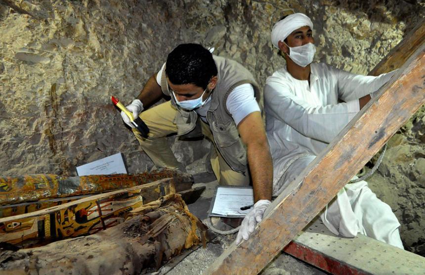 Egipto: Hallan 1.000 estatuas ancestrales en tumba en Luxor