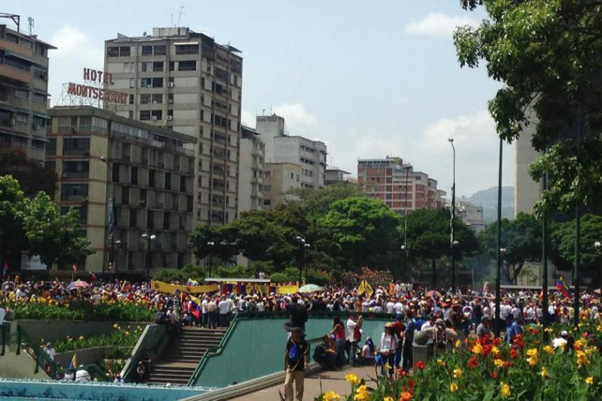 Venezuela: un manifestante opositor fue herido de bala