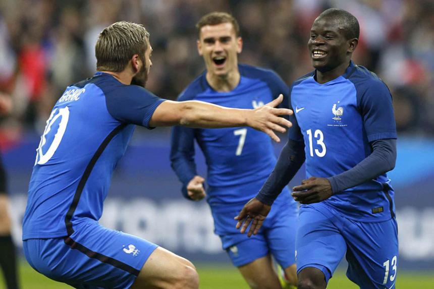N'Golo Kanté es elegido el jugador del año de la Premier League