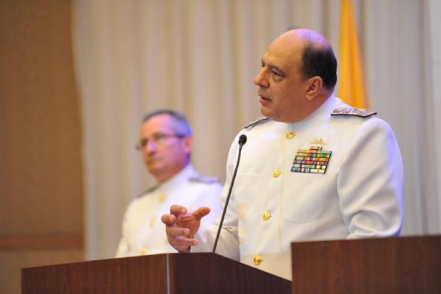 Falleció el almirante Leonardo Santamaría, comandante de la Armada Nacional