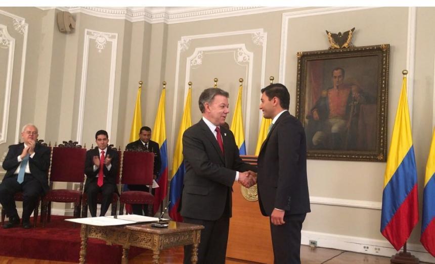 Asume el nuevo codirector del Banco de la República de Colombia