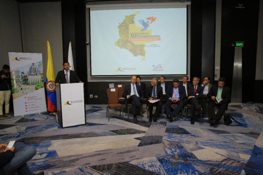 Gobierno colombiano solicitará al congreso prorrogar Fast Track por 6 meses
