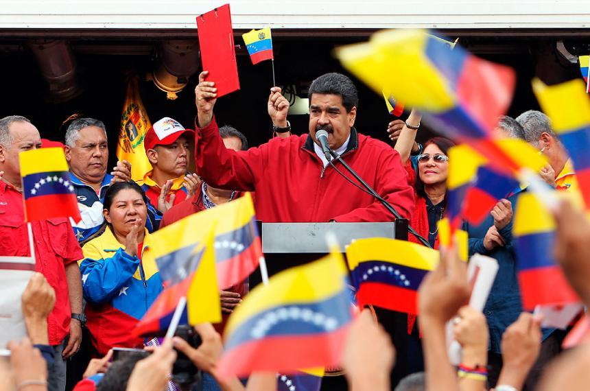 Presidente Maduro firmó las bases de la Asamblea Nacional Constituyente