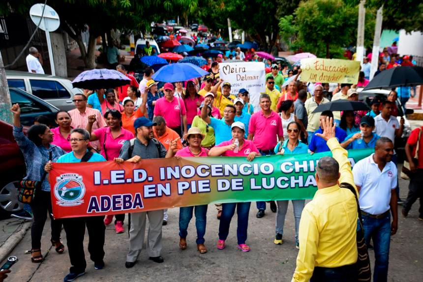 Gobierno colombiano lamenta falta de voluntad de docentes para levantar paro