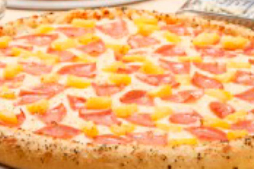 Muere el inventor de la pizza hawaiana, una de las más polémicas