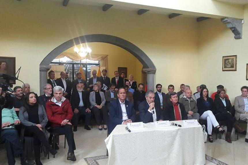 Delegación del ELN dice que el Gobierno congeló acuerdos esta semana