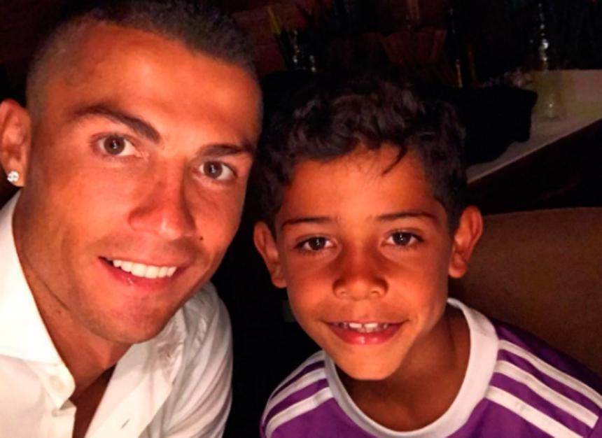 Cristiano Ronaldo se convierte en padre de gemelos