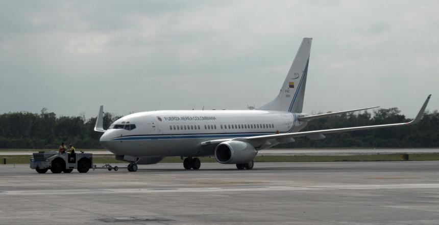 Denuncian supuesto incidente entre el avión presidencial y uno de Avianca