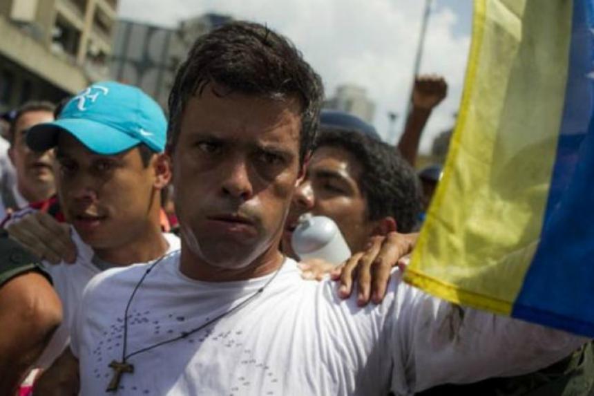 Venezuela: Leopoldo López salió de prisión y está bajo arresto domiciliario