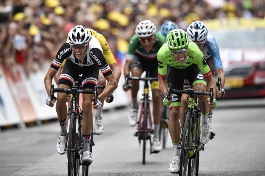 Rigoberto Urán, sancionado con 20 segundos — Tour de Francia